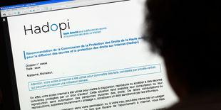 Huit lois en dix ans pour encadrer le Web français | Denis JACOPINI